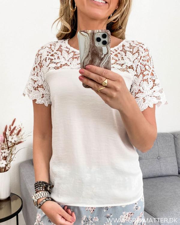Blonde t-shirt fra Vila