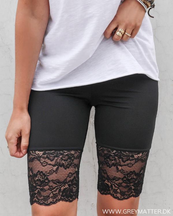 Shorts med blonder til under kjoler og nederdele
