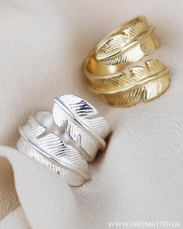 Fjerringe set sammen i guld og sølv