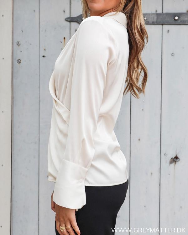 Karmamia Billie skjorte set fra siden