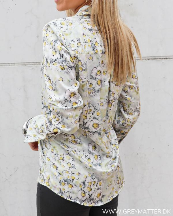 Skjorte fra Karmamia med blomster print