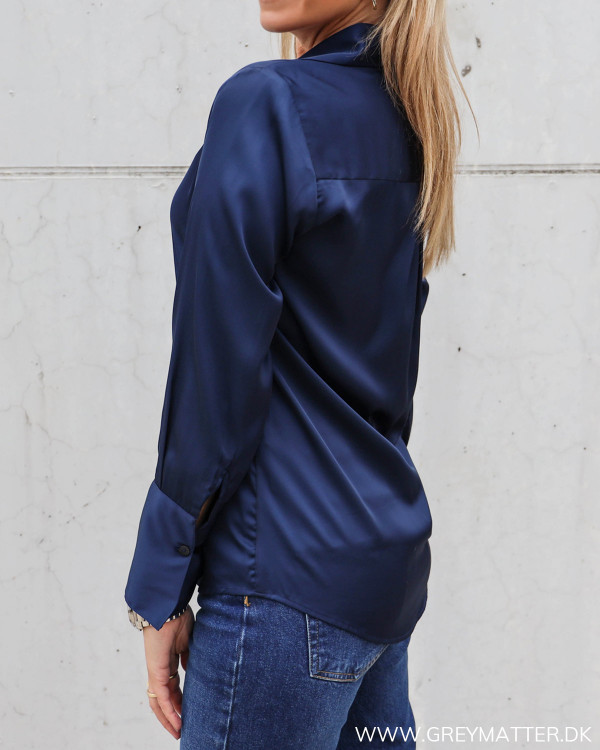Karmamia mørkeblå skjorte til damer