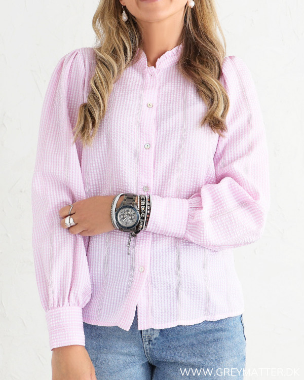 Rosa skjorte fra Neo Noir set forfra
