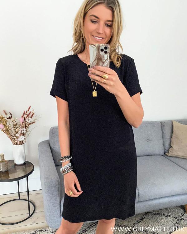 Sort kjole fra Vila