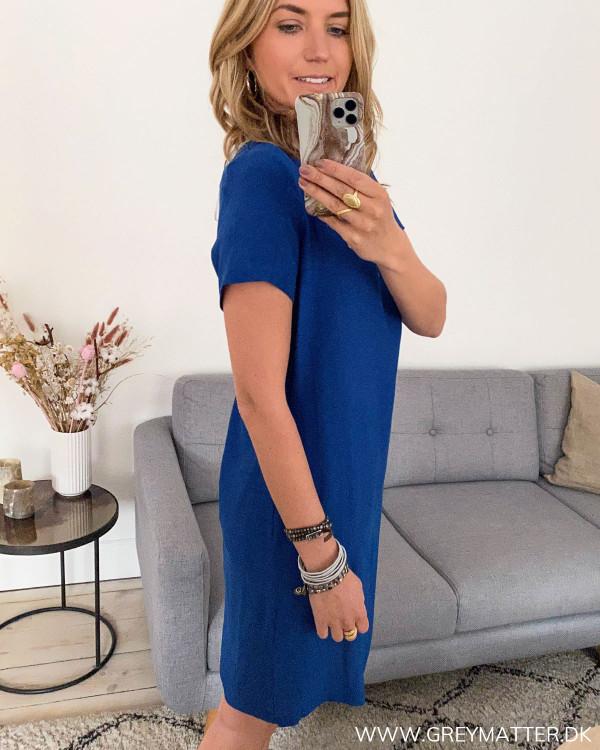 Blå kjole fra VIla