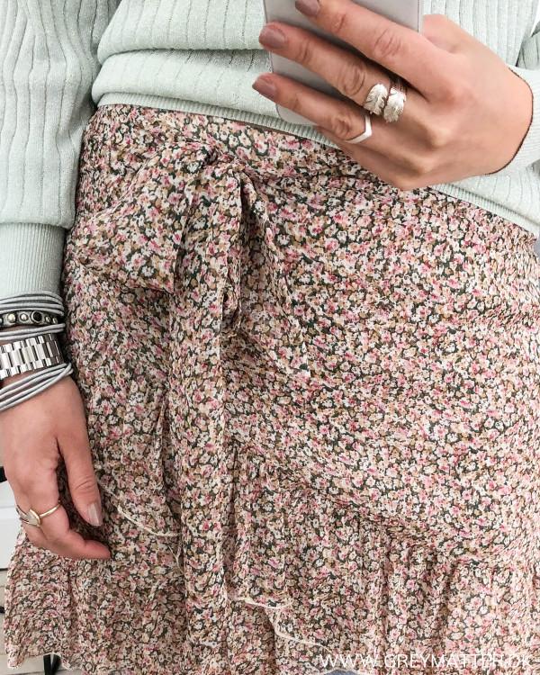 Bella Mini Flower Skirt
