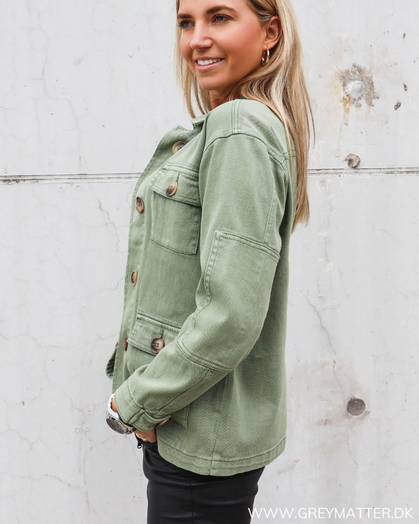 Lækker army jakke til kvinder