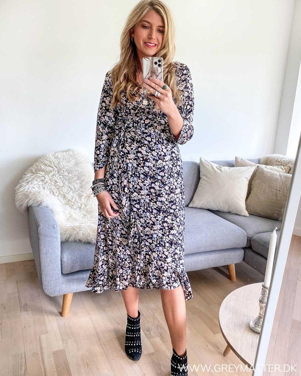 Sort kjole fra Pieces med print