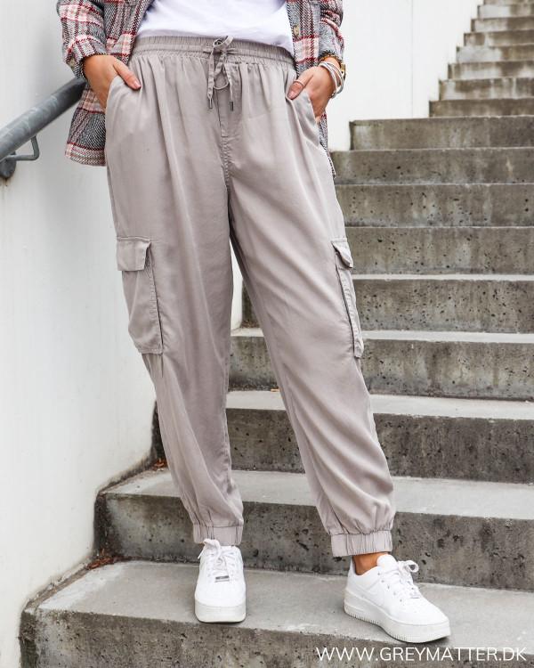 Afslappede bukser til damer fra Vila