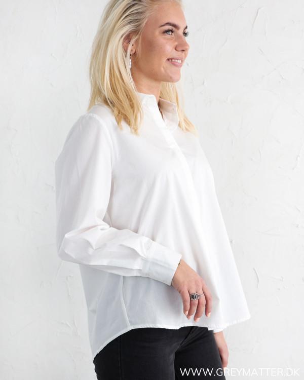 Yas Yasrobbia Star White Shirt