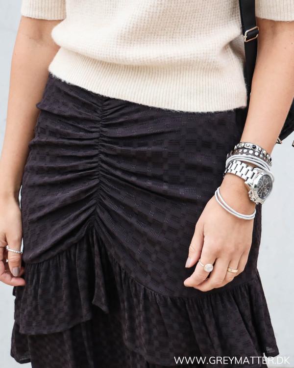 Neo Noir sort nederdel med rynk foran