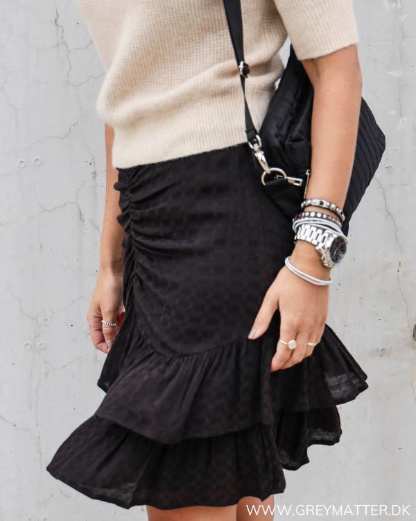 Lækker sort nederdel fra Neo Noir