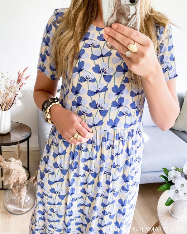 Pieces kjole set med fokus på print