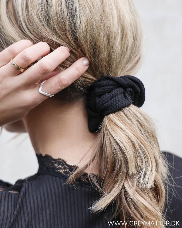 Viefh Black Crepe Scrunchie