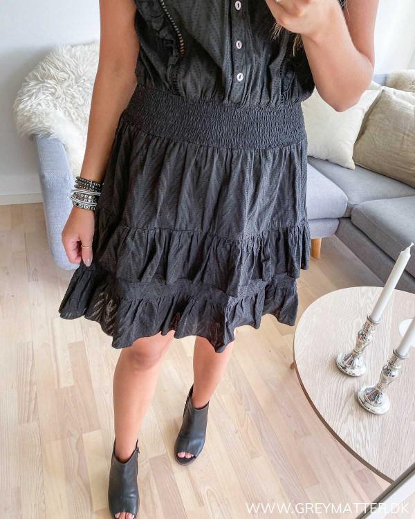 Neo Noir kjole i sort