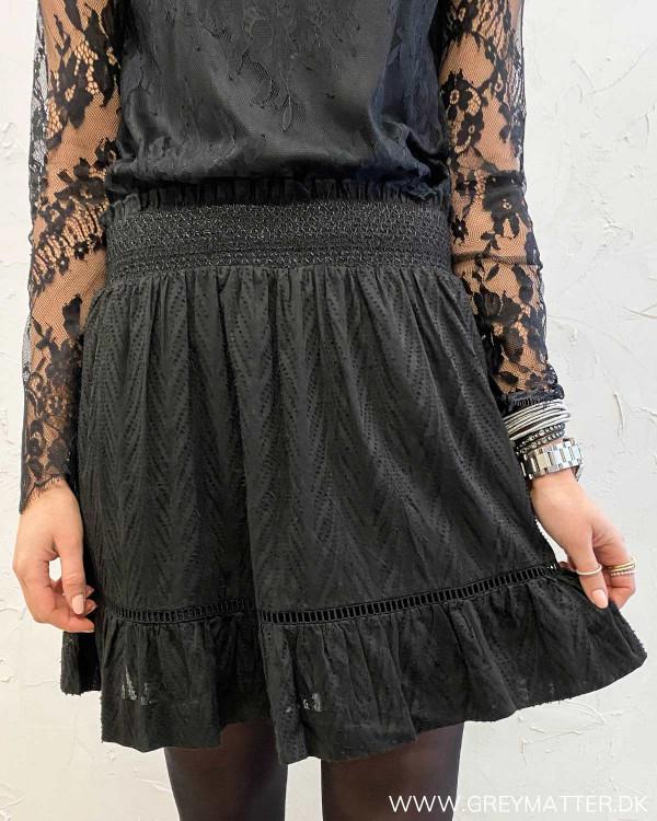 Teffie Leaf Dobby Black Skirt