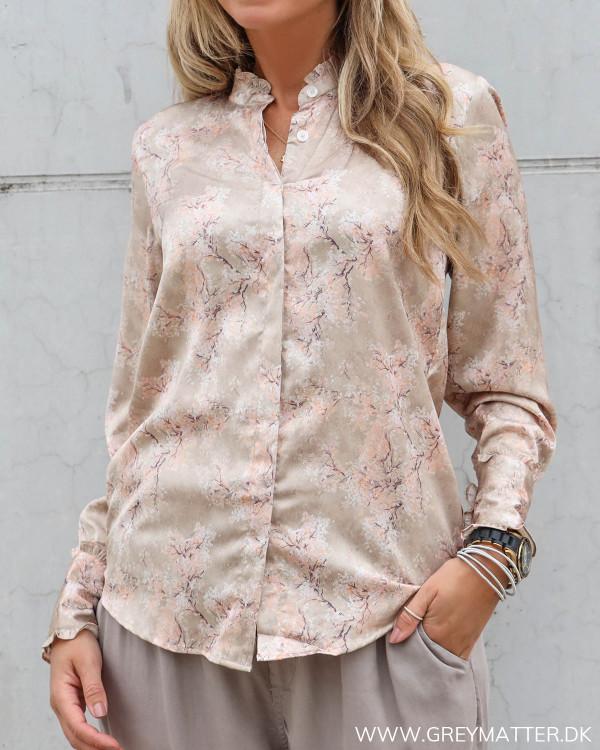 Karmamia skjorte cherry blossom shirt