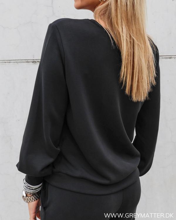 Bluse til damer i sort