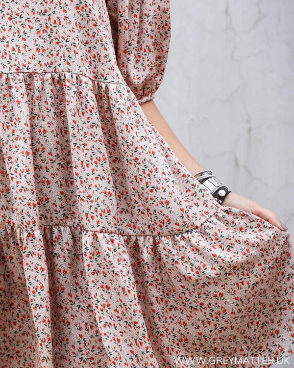 Vila kjole med fint blomster print