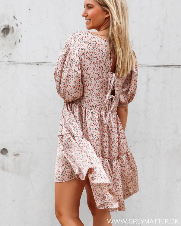 Kjole fra Vila med dyb ryg
