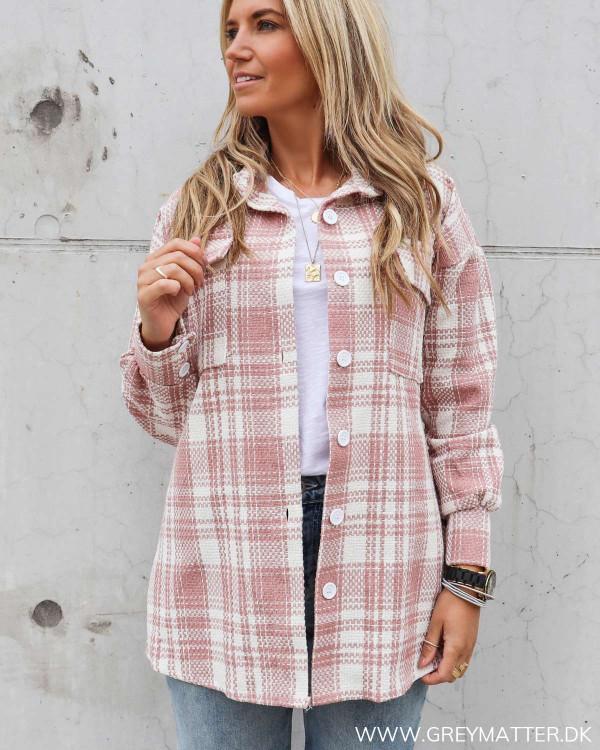 Lyserød jakke med tern fra Grey Matter Fashion