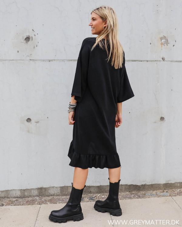 Cool kjole i afslappet stil