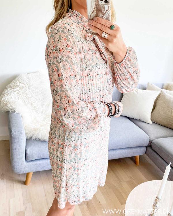 Grey Matter kjole med  plissé og blomsterprint