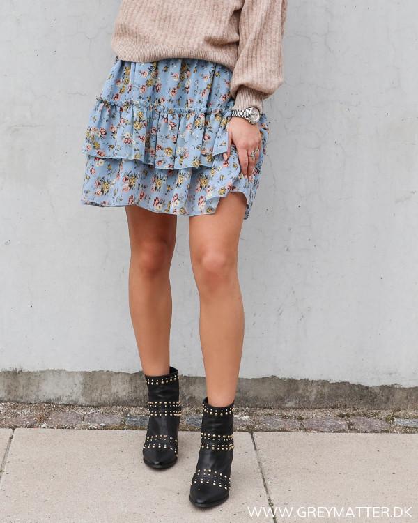Smuk nederdel med blomsterprint