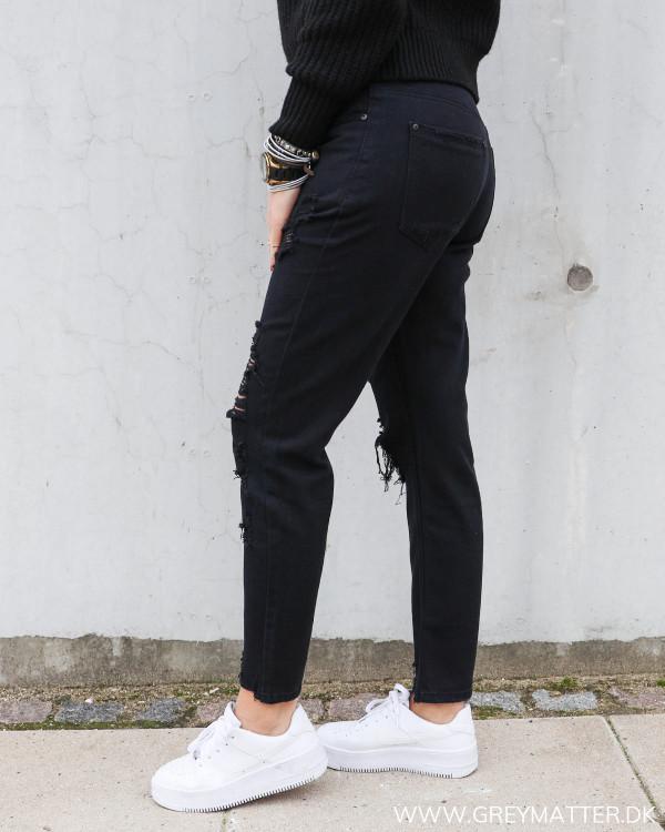 Bukser med huller