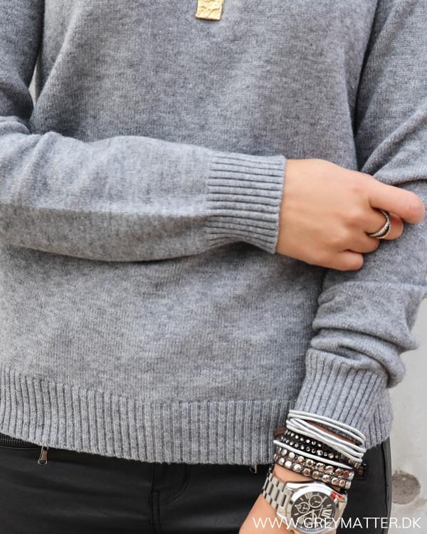 Lækker strik bluse fra Vila i grå