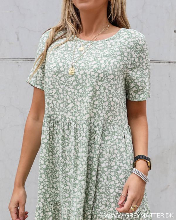 Pieces kjole grøn med print