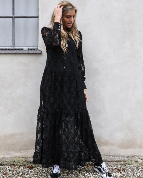 Vilava Black Ankle Dress
