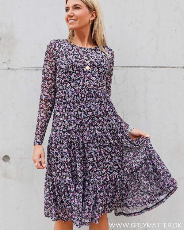 Vidavis kjole fra Vila med blomster print