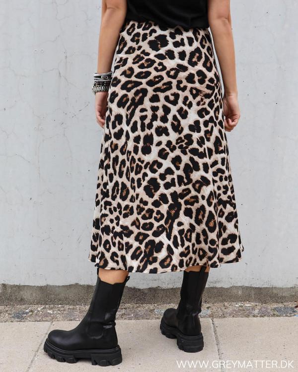 Nederdel fra Neo Noir i leopard print