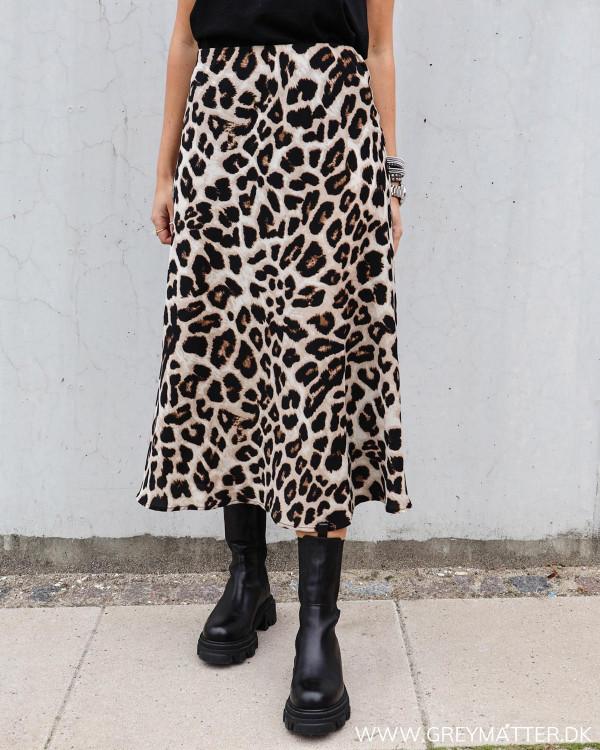 Leopard nederdel fra Neo Noir Bovary skirt
