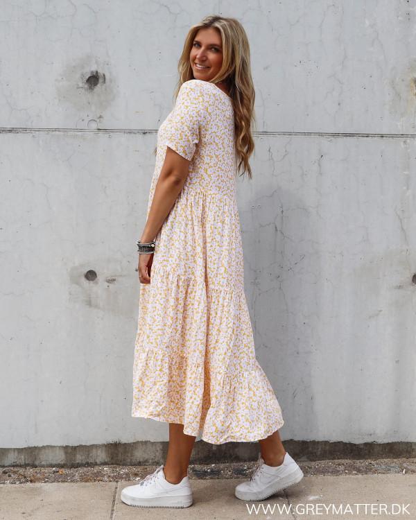 Pieces kjole set fra siden