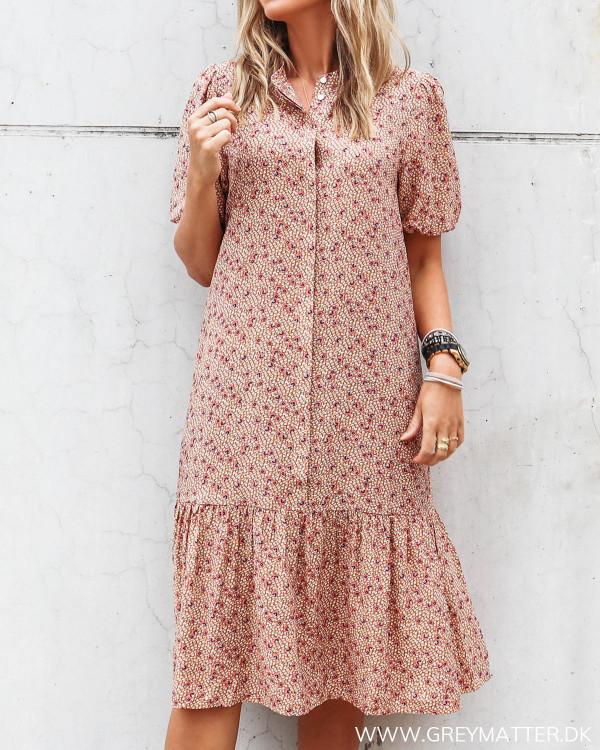 Kjole fra Vila i smukt print