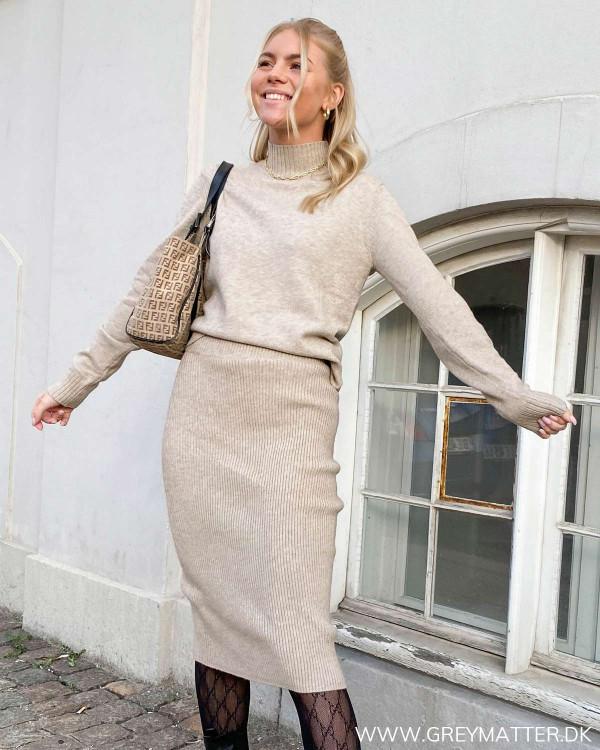Viril Pencil Simply Taupe Knit Skirt