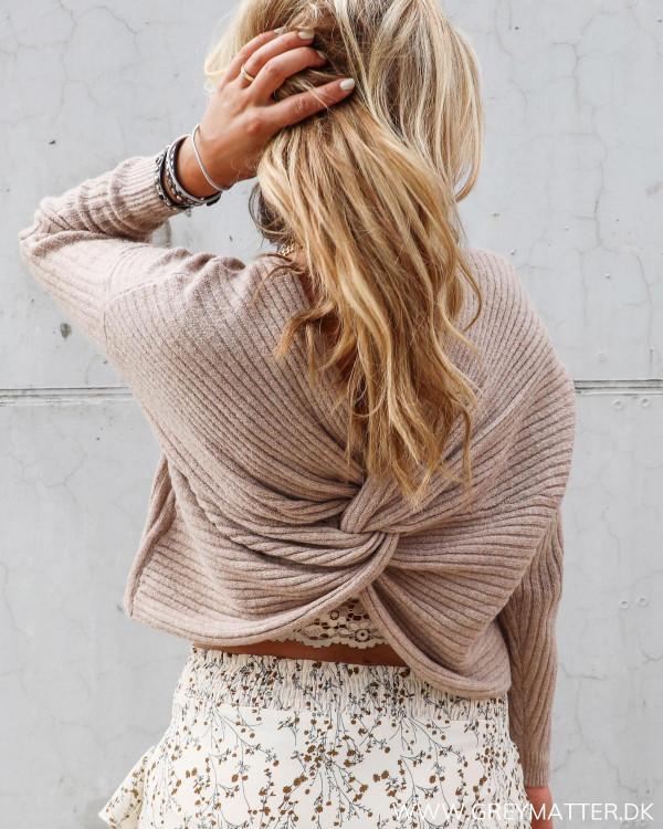 Pieces bluse med knude bagpå ryggen