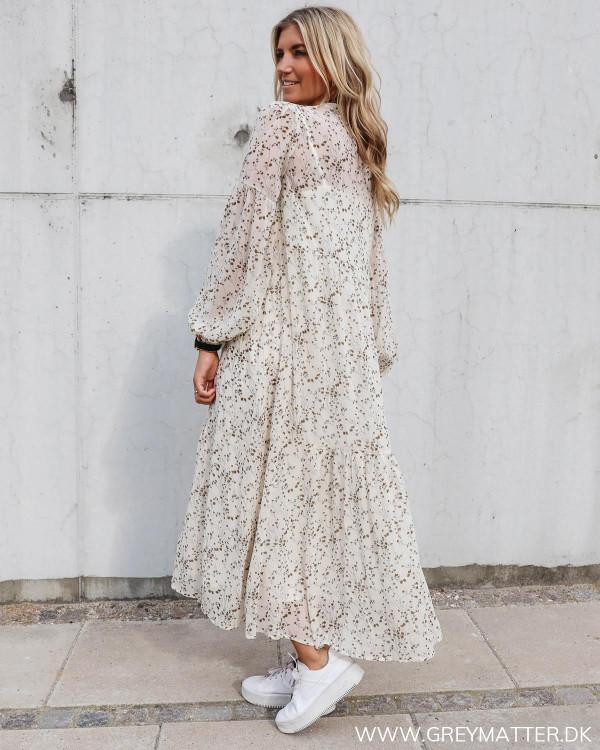 Lang kjole fra Neo Noir i smukt print